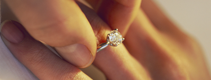 Engagement Rings & Settings Without Side Stones